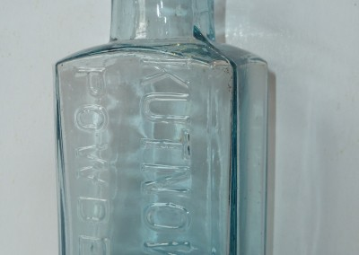 Kutnow's Powder Bottle