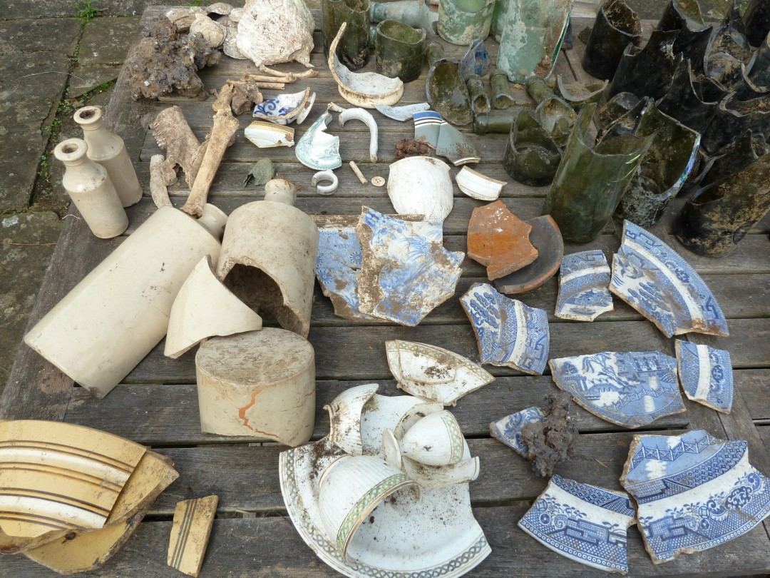 Assorted rubbish 1870s